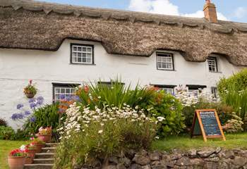 There are many places to eat in the village including The Bay Hotel, Chloe's Cafe, the village shop cafe and a couple of great places for cake and a cuppa (seasonal opening for some).