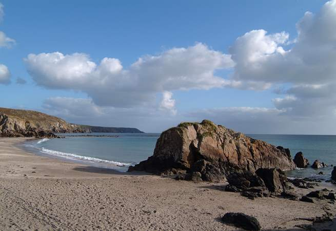 The child-friendly sandy beach at nearby Kennack Sands.