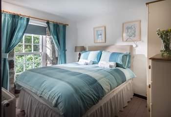 The double bedroom overlooks the front garden (Bedroom 2).