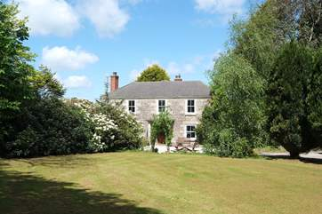 Goonreeve House is a lovely old granite farmhouse.