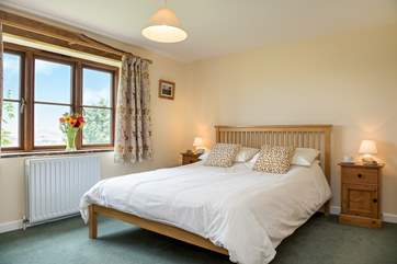 Wotton Stable has 4 beautifully appointed bedrooms.