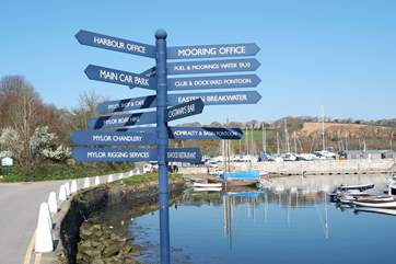 You can't get lost in Mylor Yacht Harbour!Castaways bar and restaurant is very popular.