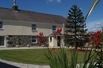 Tretharrup is a traditional Cornish farmhouse attached but private from the Owners cottage next door.
