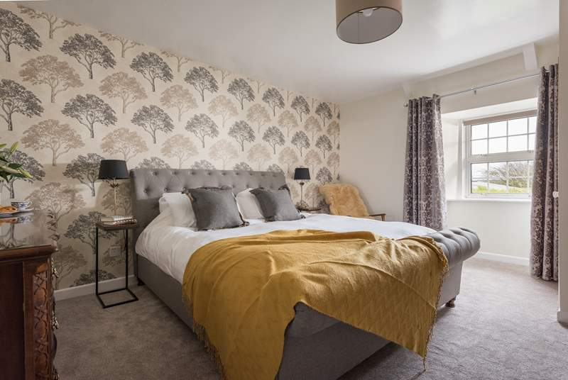 The fabulous master bedroom (Bedroom 2).