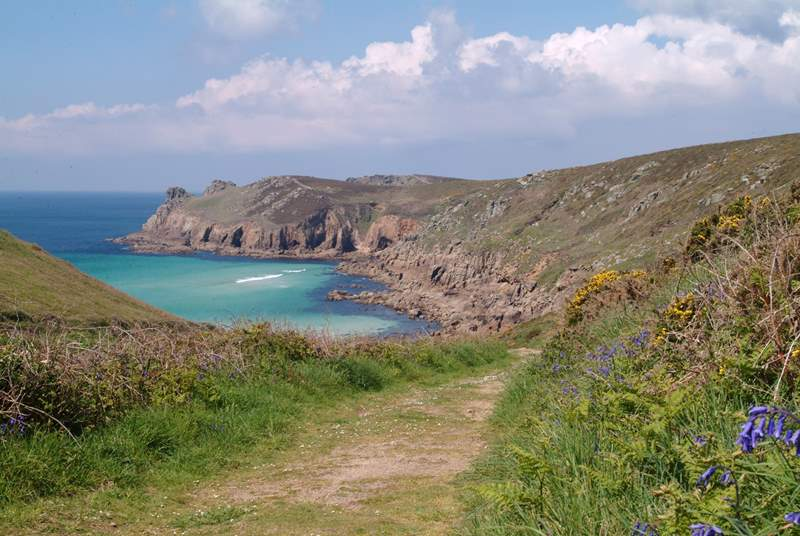 Nanjizal Cove is a short walk from the cottage.