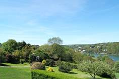 Gate Acre - Holiday Cottage - 4.2 miles SW of Falmouth