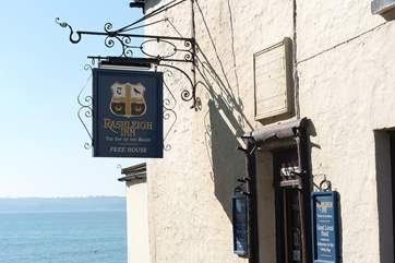 The Rashleigh Arms is right by the beach in pretty Polkerris.