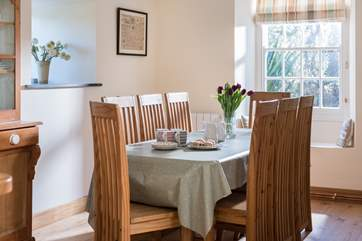 Plenty of space for all around the dining table.
