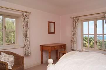 The en suite double bedroom (Bedroom 1).