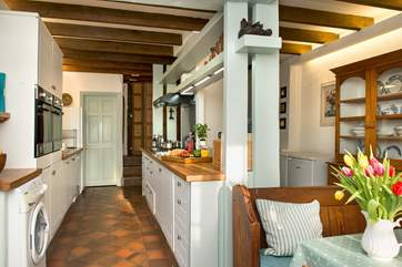 The lovely kitchen/breakfast-room.