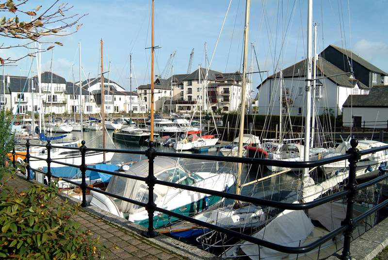 The Port Pendennis marina is only 50 metres from Marina View.