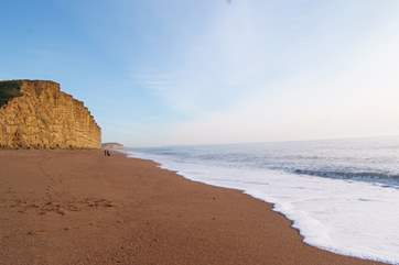 This is the memorable beach at West Bay, Bridport - setting for some of the amazing Broadchurch scenes.