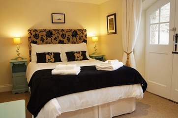 The gorgeous double bedroom on the ground floor (Bedroom 1).