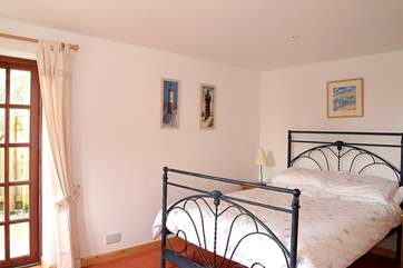 Bedroom 1 (ground floor) has a double bed and en suite shower-room.
