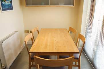 The breakfast-table in the kitchen is great for children's meals.