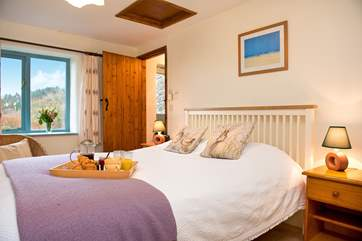 The comfy bedroom also enjoys views of the wonderful settiing