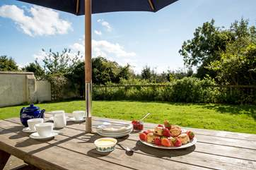 A glorious setting for dining al fresco.