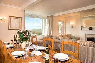 The open plan sitting/dining-room is the ideal place for spending time together and enjoying the view.