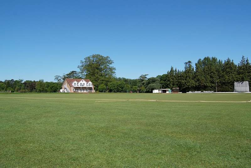 The north Perrot Cricket Club is a short stroll down the lane - enjoy a real 'English'  summer's day watching the match.
