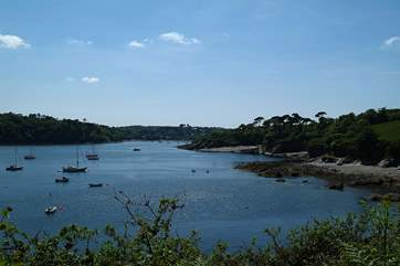 The beautiful Helford River, and its wonderful woodland valleys, are about 15 minutes away by car from the cottage.