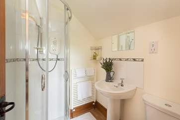 This is the en suite shower-room for the first floor double bedroom.