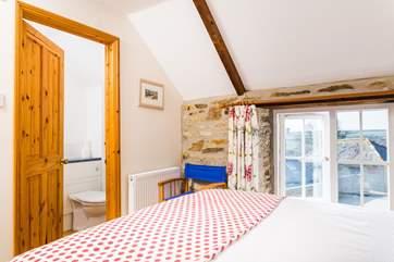The master bedroom has an en suite.