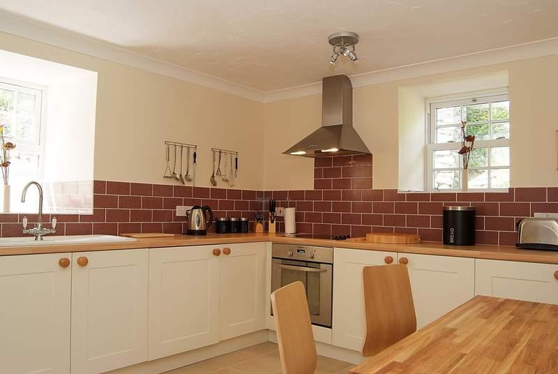 The spacious breakfast kitchen.