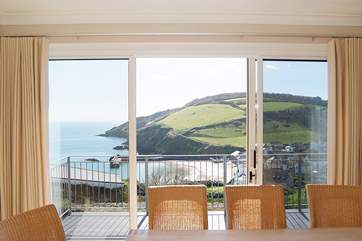 More stunning views from the dining-area.