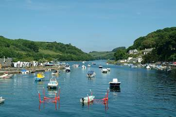 Looking up river from Looe town bridge.
