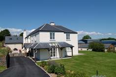 Aveton Farmhouse - Holiday Cottage - 3.6 miles N of Kingsbridge