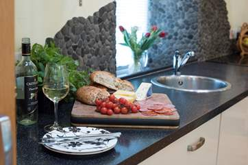 A lovely, quirky pebble splash back.