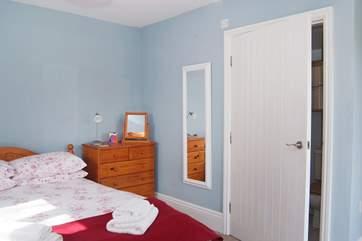 The double bedroom has an en suite bathroom.