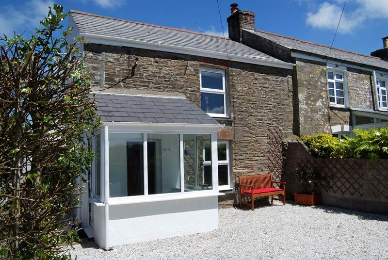 Gillyvean is on the edge of the village of St Agnes within walking distance of pubs and restaurants.