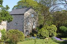 Roskennals Mill - Holiday Cottage - 3.8 miles NW of Mousehole