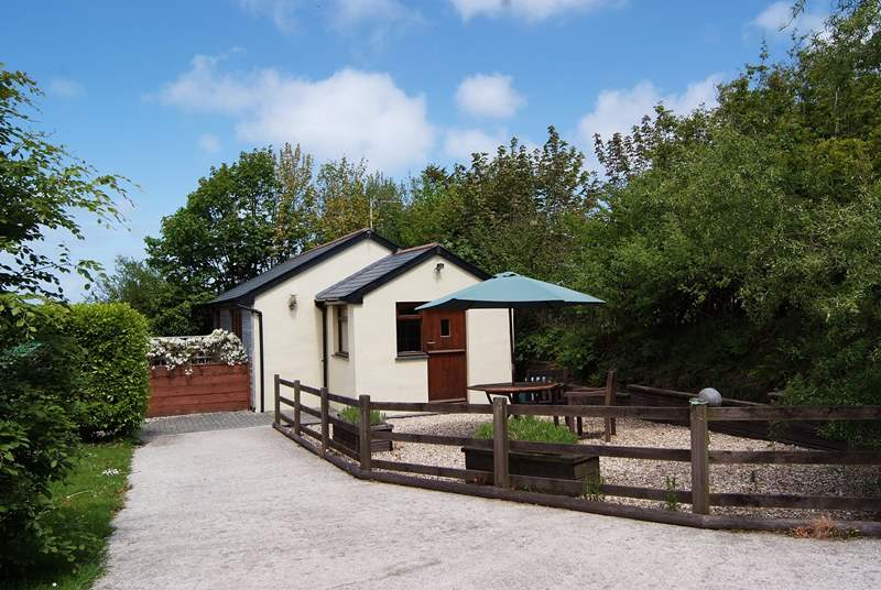 Moonstone has a fullly enclosed patio to the side of the cottage, a side garden and plenty of secure private parking.