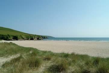 Par Sands has a large car park right next to the beach.