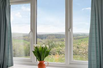 Wonderful, far-reaching countryside views from Bedroom 1.