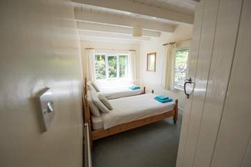 The second twin bedroom.