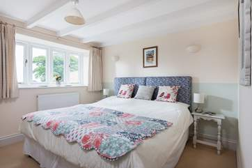 Bedroom 3 is furnished with versatile 'zip and link' (double or twin) beds.