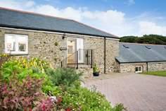 Burnfoot - Holiday Cottage - 6.6 miles NW of Falmouth