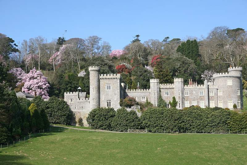 The owner of the barns is also the custodian of the Caerhays Estate near St Austell, come and visit during  your stay.