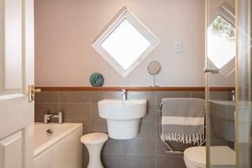 The master en suite bathroom.