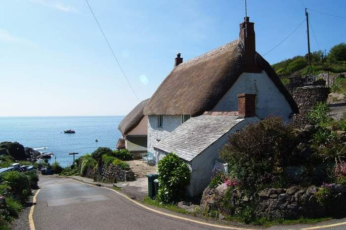 Cottages near Cadgwith Cove Inn