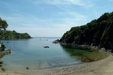 Readymoney Cove is a gentle stroll away with Fowey harbour to the east and stunning coastal walks to the west.