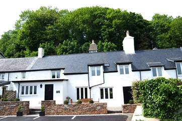 Wisteria Cottage is in the centre of the photograph (with two front doors).