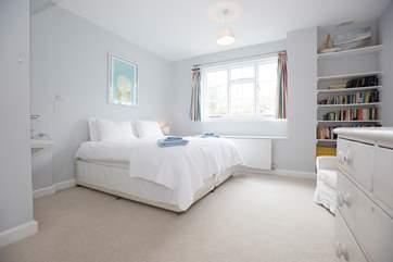 The 'zip and link' bedroom.