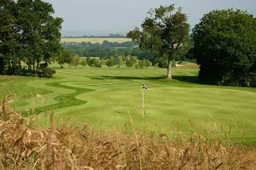 The 18 hole Oaks course at nearby Woodbury is for players with a handicap only, but 9 hole Acorns is open to all (both subject to fees).