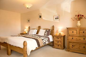 The en-suite ground floor bedroom (Bedroom 1) has Zip and Link beds so can be either a double bed or 2 twin beds