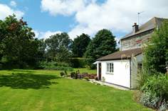 Garden Cottage - Holiday Cottage - 1.7 miles E of Marazion