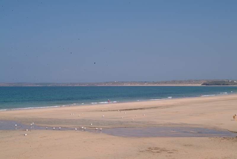 Carbis Bay and St Ives can both be reached within a 20 minute drive.